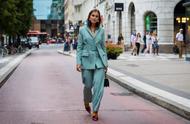 女生穿什么颜色的西装好看 想要时髦你有这么多选择