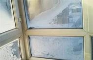 冬天玻璃上水蒸气太多怎么办