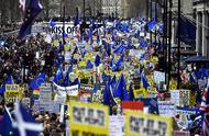 """英国反脱欧民众万人游行要求再次公投,""""最好协议是不脱欧"""""""