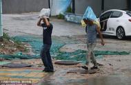 厦门遭遇暴雨袭击 部分村庄积水严重
