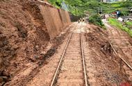 暴雨致成昆铁路部分线路中断 西昌紧急增加发往成都班车