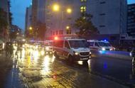 刚刚,香港警方首次出动水炮车
