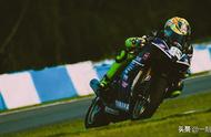 王一博参加摩托车比赛,排位赛第二,不是一般的厉害啊,支持85号