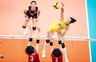3-0!女排五人得分上双胜日本,罕见一幕,一招六次打停对手