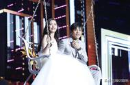向佐郭碧婷完婚,婚纱照似在罗马拍摄,穿礼服模样曝光