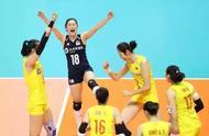 中国女排7连胜,郎平指导的这个大拇指你看见了吗?