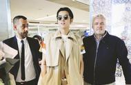 吴亦凡瘦了,机场叠穿风衣好时髦,187身高比模特还有型