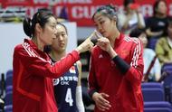 实力碾压!中国女排吊打肯尼亚,朱婷无聊到为队友擦汗和场边散步