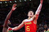 四人上双,易建联19分,郭艾伦17分9助攻,中国男篮取得开门红