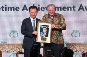 王健林获福布斯终身成就奖,他要让中国标准成为世界标准!