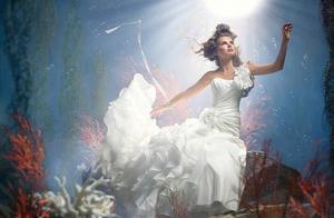 每个女生的婚纱梦 作文每个女孩都有一个婚纱梦