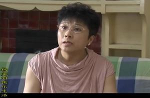 杨光为了应付姑妈,后爹亲爹都搬出来了,一看表情就知道真假