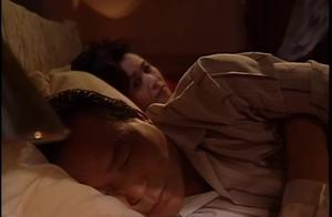 星梦奇缘:依凡整天就知道了看录像带,醒了还不忘查涟漪的房