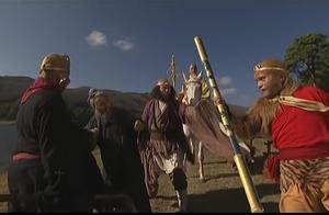西游记:孙悟空打死了白骨精,唐僧却执迷不悟,非要赶走他