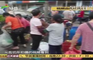 男子疑似做出不道德的事,被人当街绑在柱子上示众,民警将其解救