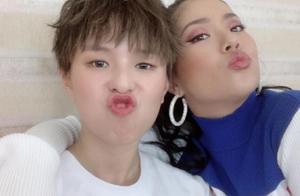 王菊与张柏芝李湘陈意涵同框,最大相差16岁毫无违和感