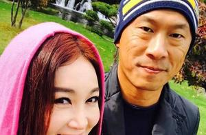 温碧霞与老公北海道过二人世界 赏红叶浸温泉