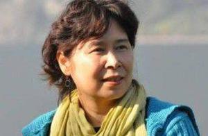 被冯小刚改编为《唐山大地震》的小说,远非她最好的作品