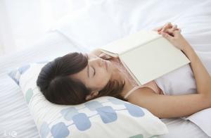 字甘霖讲《风水》睡觉朝哪个方向风水好,一个好睡眠跟风水有关系