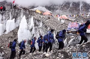 阿联酋女子登山队珠峰拉练