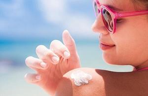 日媒盘点紫外线防护三大策略 教你手工制作防晒霜
