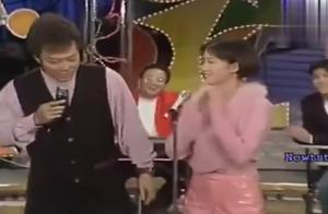 范晓萱在张菲的面前娇滴滴的,好可爱,喜欢范晓萱唱的歌