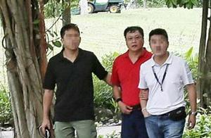 杀害新加坡中国女工程师嫌犯被带回案发现场调查