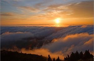南岳衡山 这里有日出云海佛光 还有21.6度的惬意清凉
