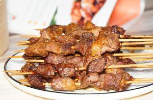 羊肉串腌肉有讲究?很多人第一步就错了,难怪烤出来没肉味