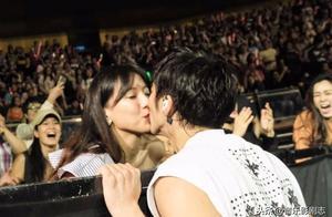 王力宏演唱会二吻妻子放闪,大S、汪小菲亲亲不想输