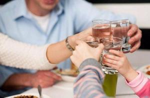 每天适量饮酒,对身体健康有好处?看看大医生是怎么说的