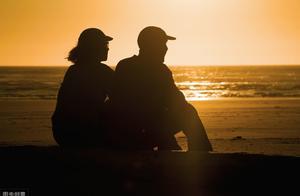 人到中年,为何有些夫妻不愿意睡在一起了?