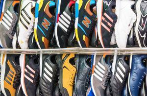 打击制假售假,莆田这里抓了30人缴获假冒注册商标的运动鞋49132双