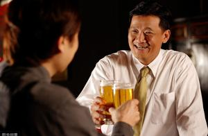 """人到中年想健康,谨记:不吃""""3饭""""、不睡""""3觉"""",做好3事"""