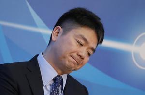 """时隔8个月刘强东终于公开现身,""""隐居二线""""的刘强东在做什么?"""