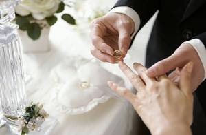 小说:相亲多年我嫁个儒雅男人,直到我怀孕才发现美满婚姻是假象