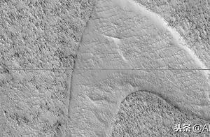 NASA飞船又有新发现:火星地面出现《星际迷航》标志