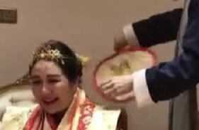 """近日,赌王女儿何超盈豪华""""过大礼"""",像皇室公主出嫁一样"""