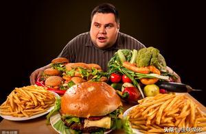 患有癌症的人,要谨慎对待这3类食物,能不吃就不吃
