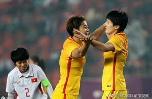 世界杯:中国女足1-0南非女足!门线技术发威!王霜首发!首胜