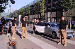 一堆保安挡不住任达华被捅刀,艺人安保老司机告诉你:保安不是安保