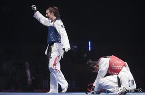 比赛变质 两个英国人对一个中国人 郑姝音被判负 观众高喊China
