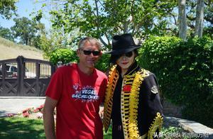 长春小伙不远万里到美国梦幻庄园跳舞,纪念杰克逊逝世10周年