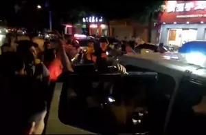 这么嚣张?桂林一男子驾车发生剐蹭后自称政协委员,官方:确有此人