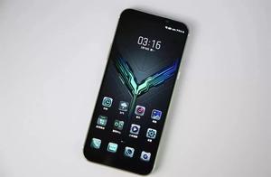 黑鲨手机2、iQOO同时锁定2698元,骁龙855游戏手机谁更合适?