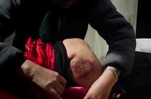 身后身:这女的身体都腐烂了,母亲还是舍不得下葬,还为她擦身子