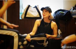 47岁郑秀文积极健身备战演唱会,看到她的身材网友直呼好羡慕!