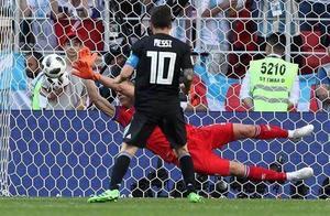 冰岛足球为何强大?33万人99.6%在家看打阿根廷 剩下全来了俄罗斯