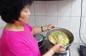 妈妈用3块钱的成本,做了满满一大盆小凉菜,太好吃还便宜!