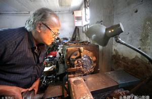 为给妻子减负,河南农民6年花60万研制烧饼机器人,一天做4000个